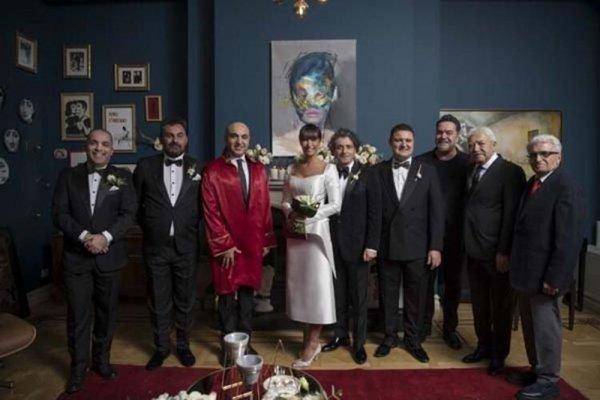 Sıla kendi düğününde sahne aldı
